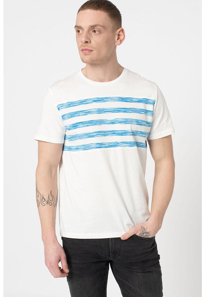 Tricou cu decolteu la baza gatului si model in dungi Bărbați imagine