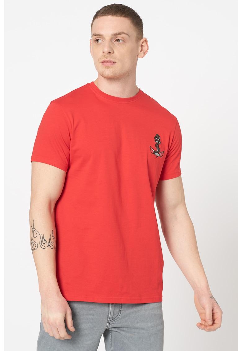 Tricou cu decolteu la baza gatului si imprimeu Kaptail imagine promotie