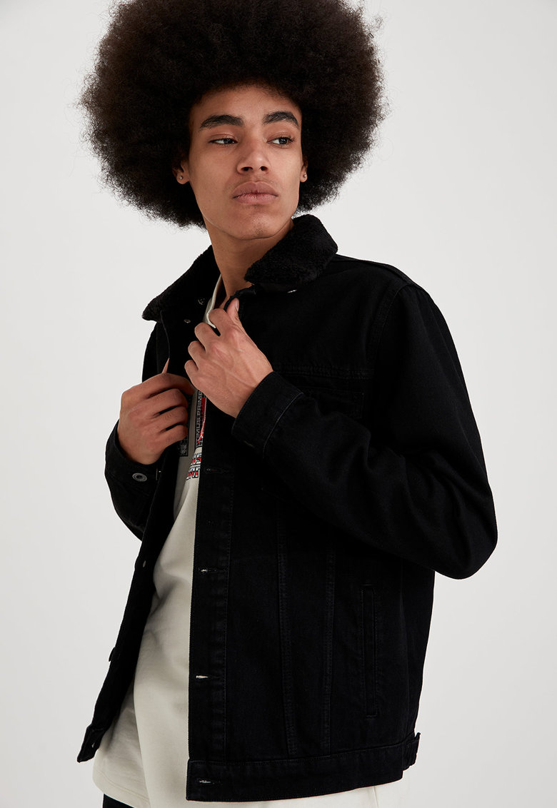 Jacheta slim fit din denim cu garnitura din blana sintetica