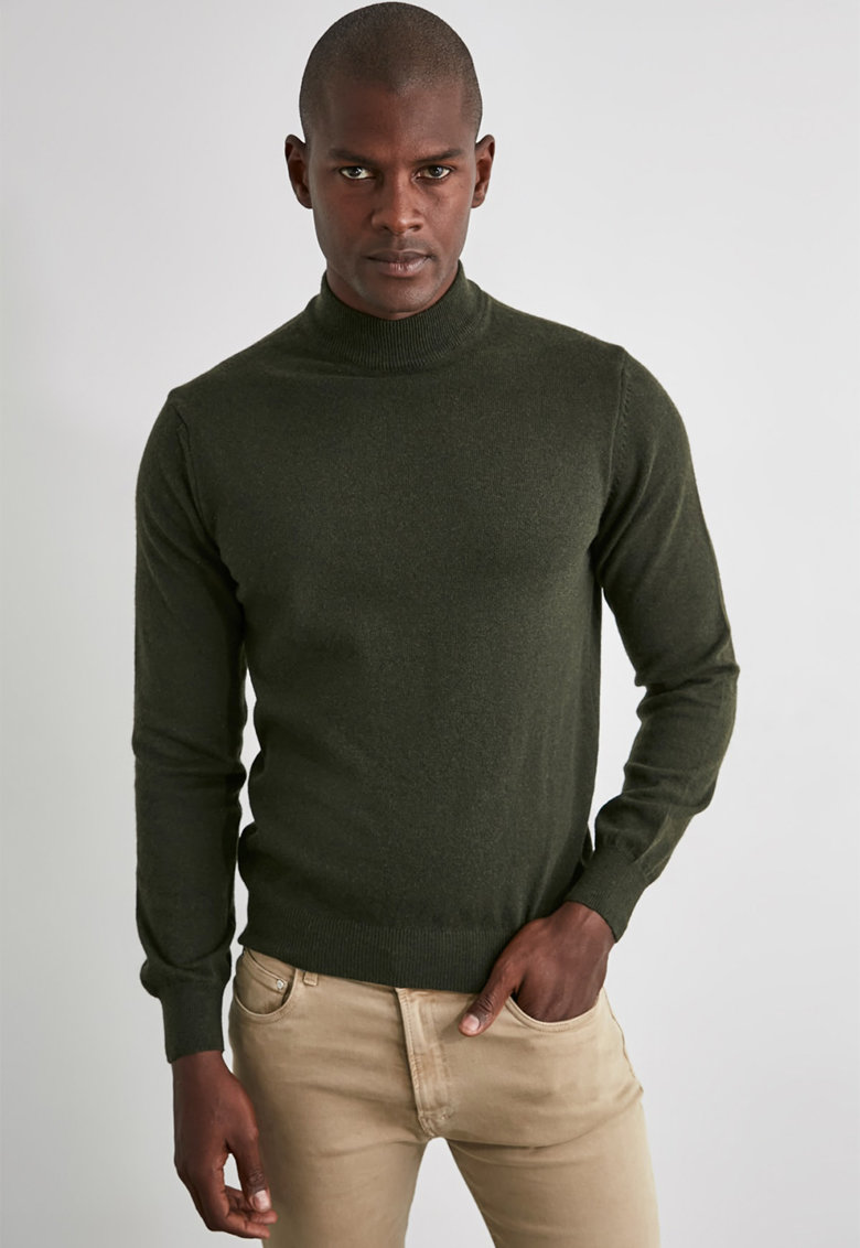 Pulover din amestec de lana cu guler scurt