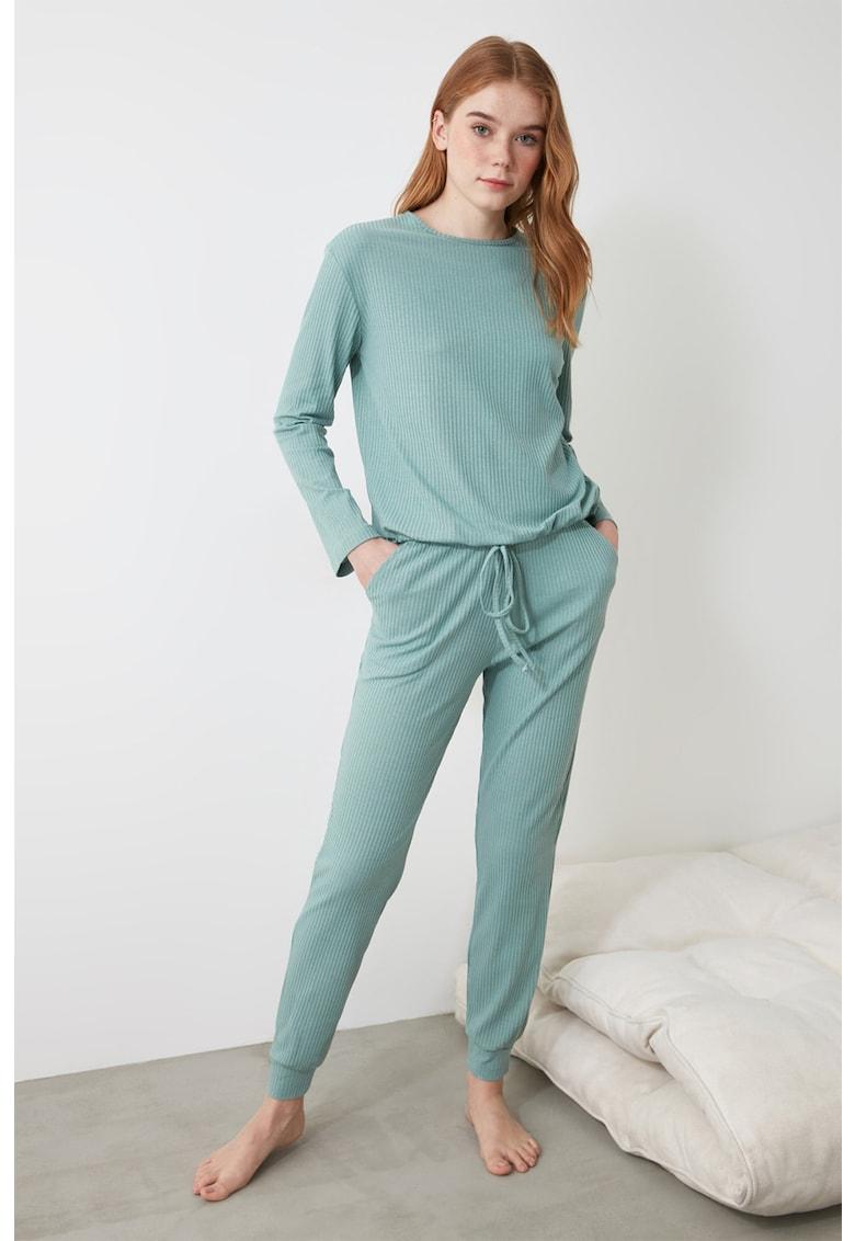 Pijama cu striatii poza fashiondays