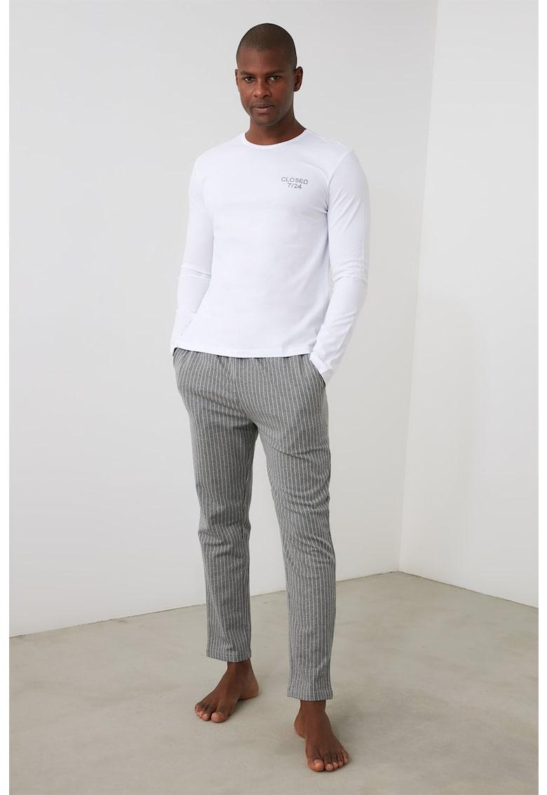 Pijama cu pantaloni in dungi imagine