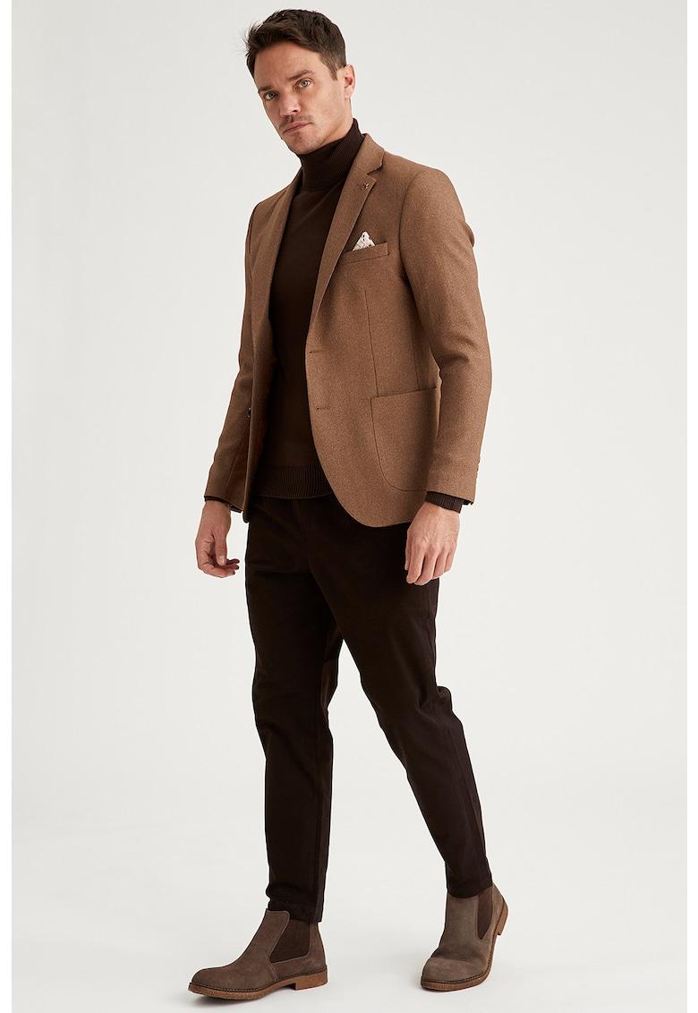 Pantaloni chino conici imagine