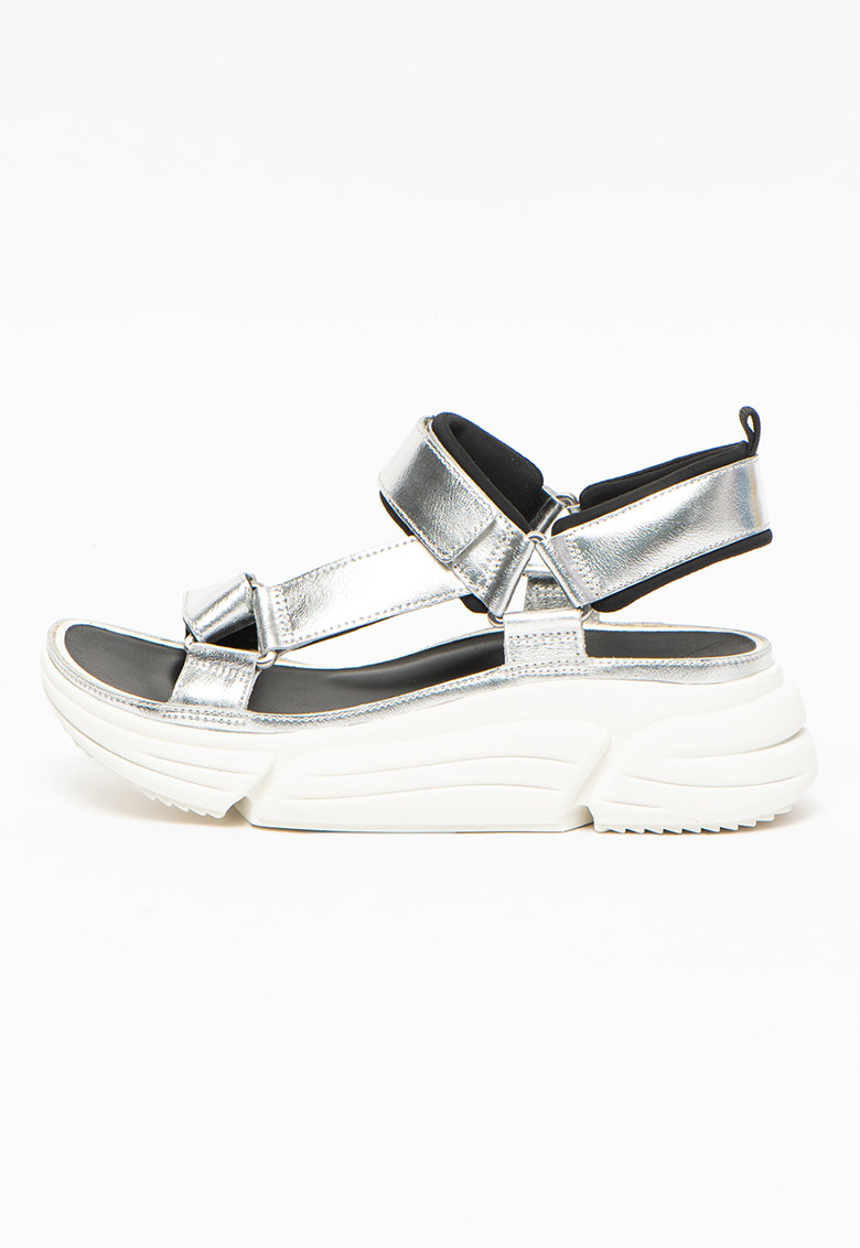 Sandale din piele cu talpa wedge si aspect metalic Tricomet