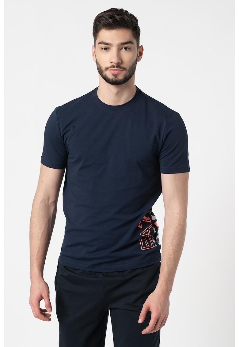 Tricou cu decolteu la baza gatului si imprimeu logo imagine