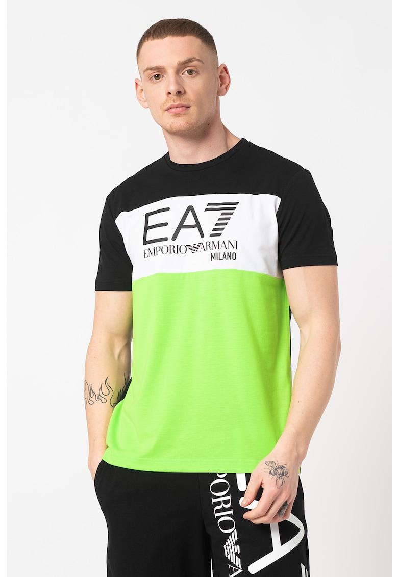 Tricou cu logo si model colorblock Bărbați imagine