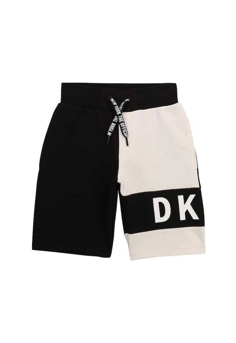 Pantaloni scurti cu snur si model colorblock imagine fashiondays.ro 2021