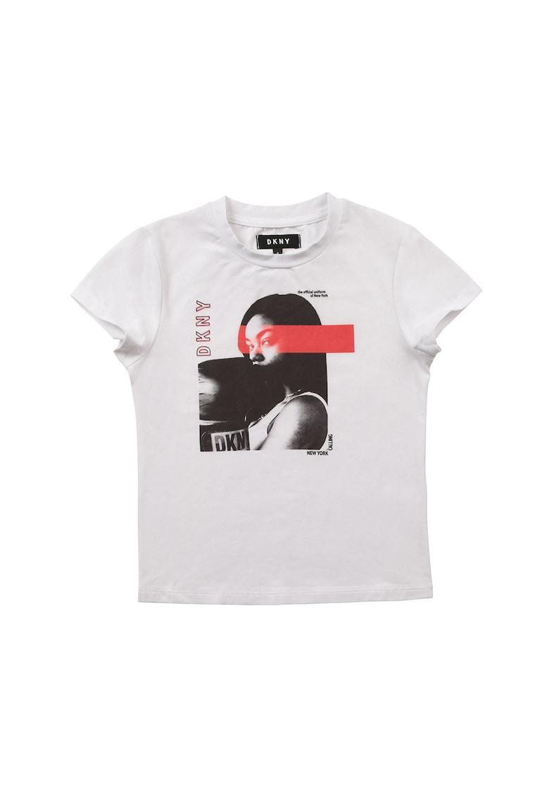 Tricou cu decolteu la baza gatului si imprimeu DKNY fashiondays.ro