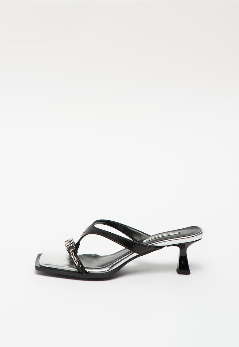 Sandale slip-on din piele cu bareta separatoare Panache imagine