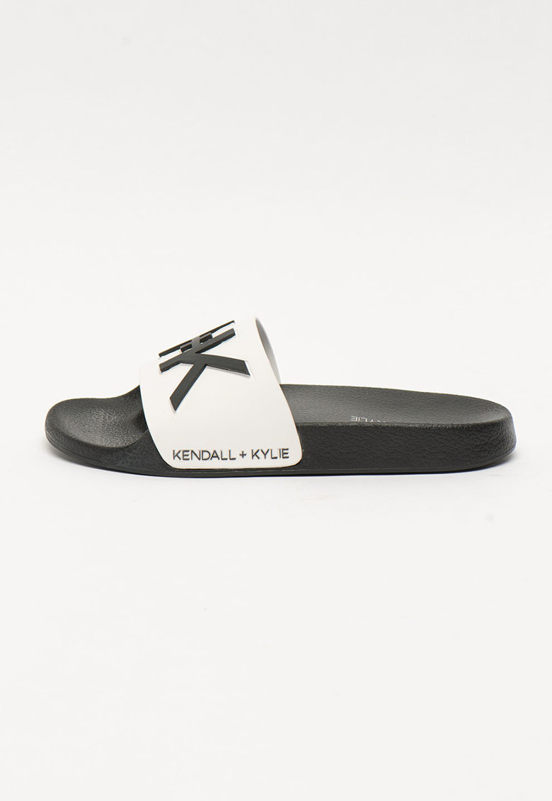 Papuci cu aplicatie logo Ellis imagine fashiondays.ro Kendall + Kylie