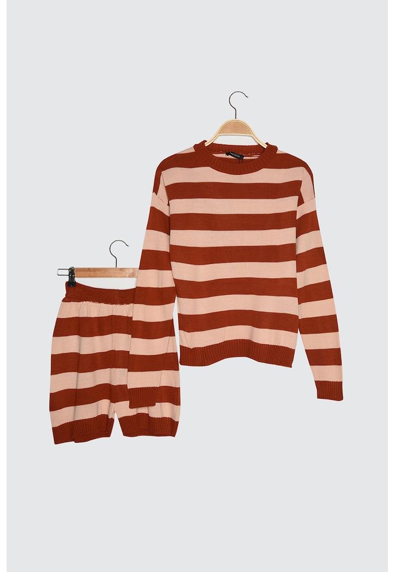 Set de pulover si pantaloni scurti in dungi - 2 piese