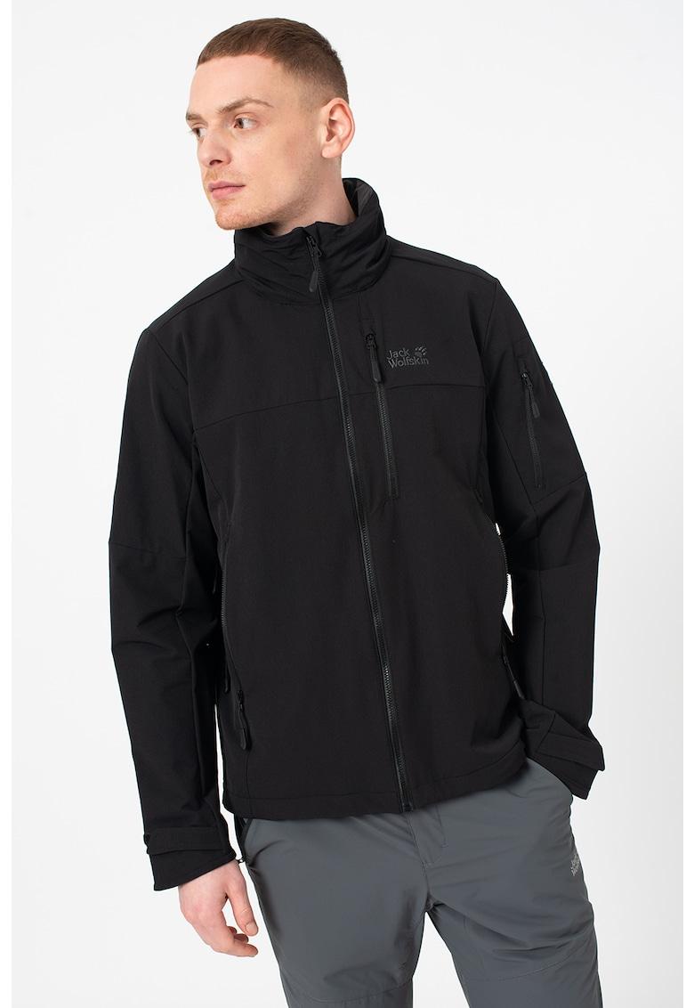 Jacheta rezistenta la vant - pentru drumetii Edward Peak