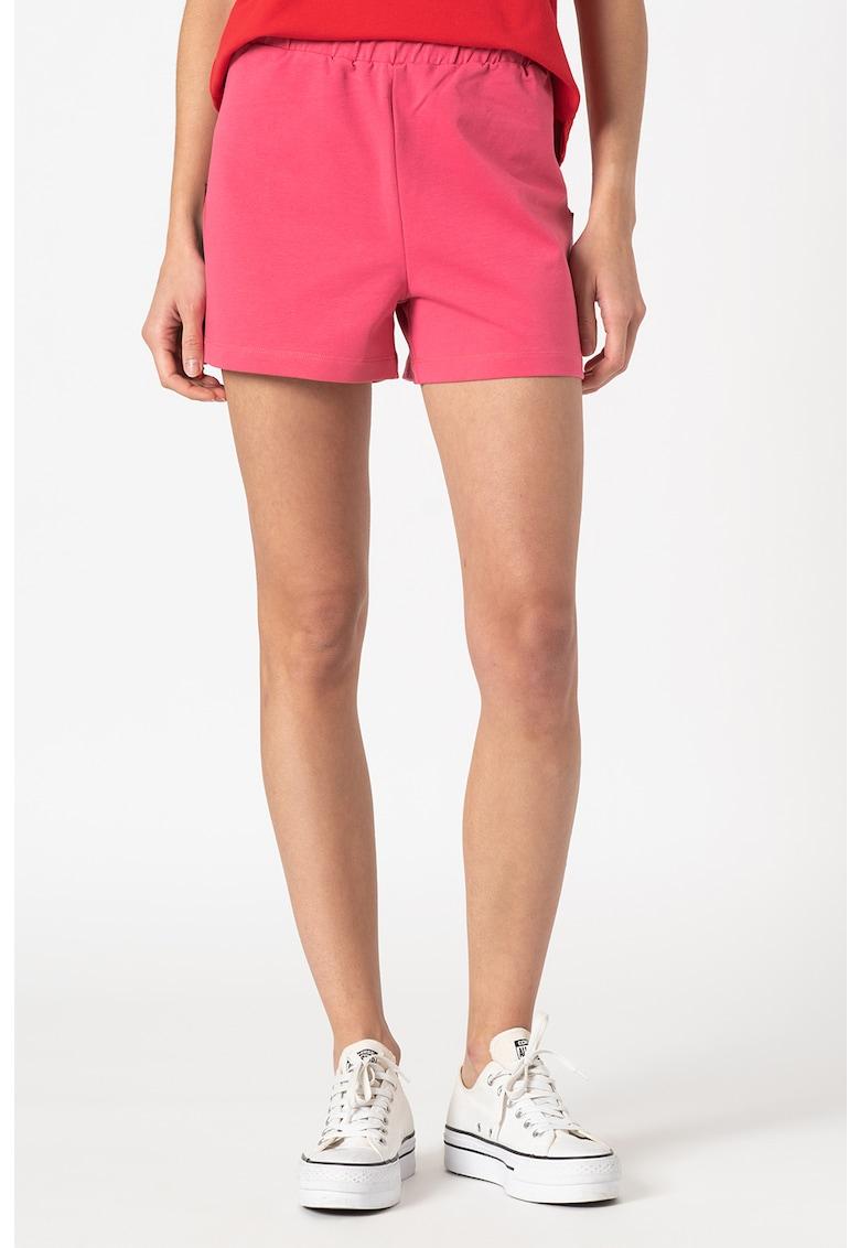 Pantaloni scurti cu slituri laterale
