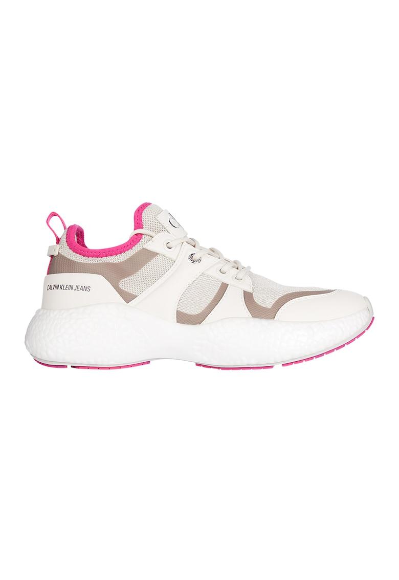 Pantofi sport cu aspect masiv si insertii de plasa