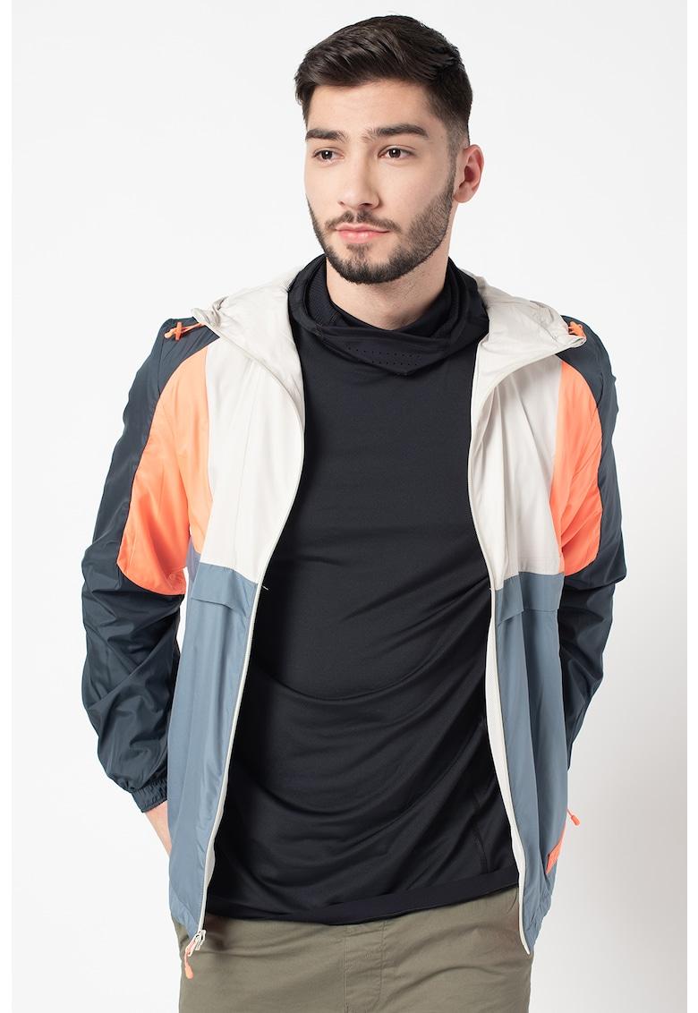 Jacheta cu gluga - pentru trekking STM 9.1