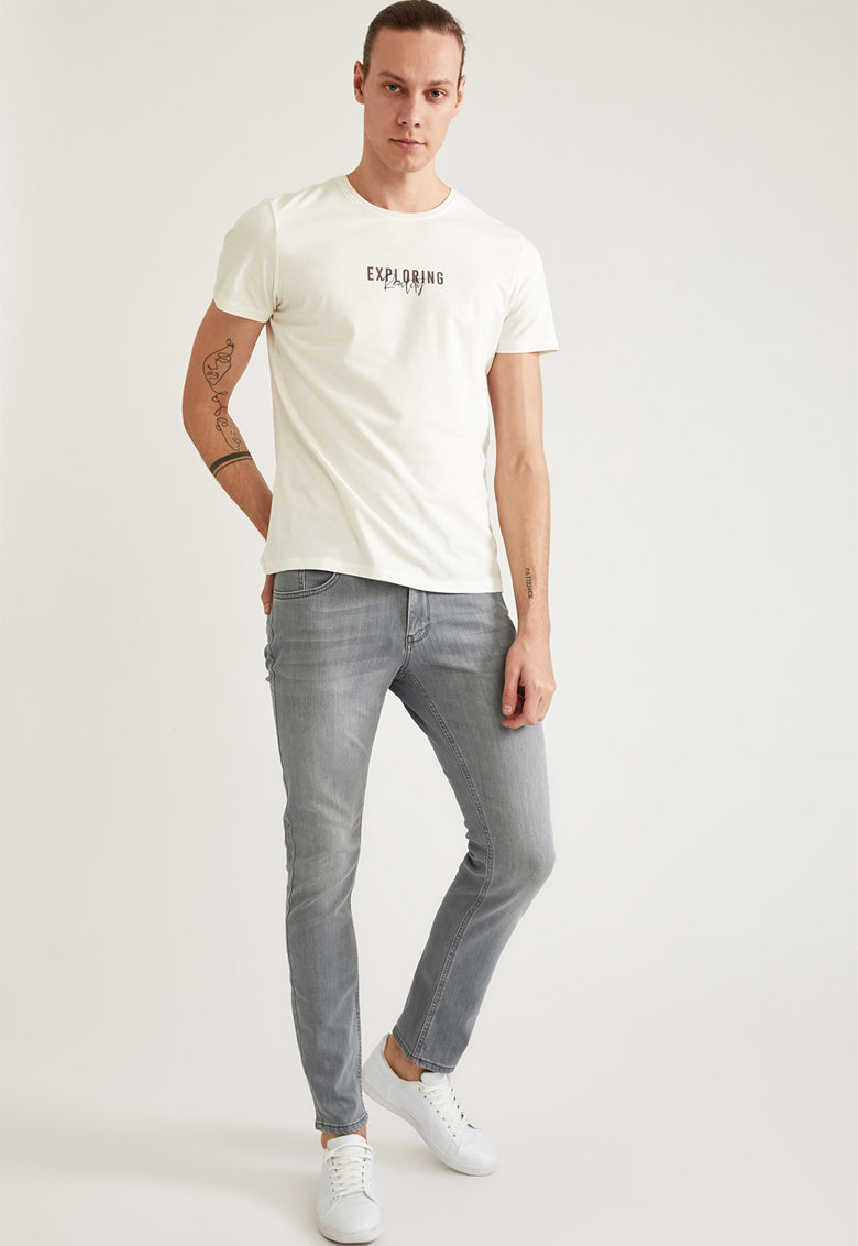 Blugi slim fit imagine fashiondays.ro