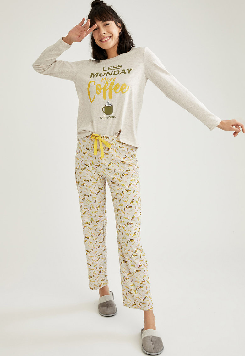 Pijama din amestecd e bumbac - cu imprimeu imagine fashiondays.ro 2021