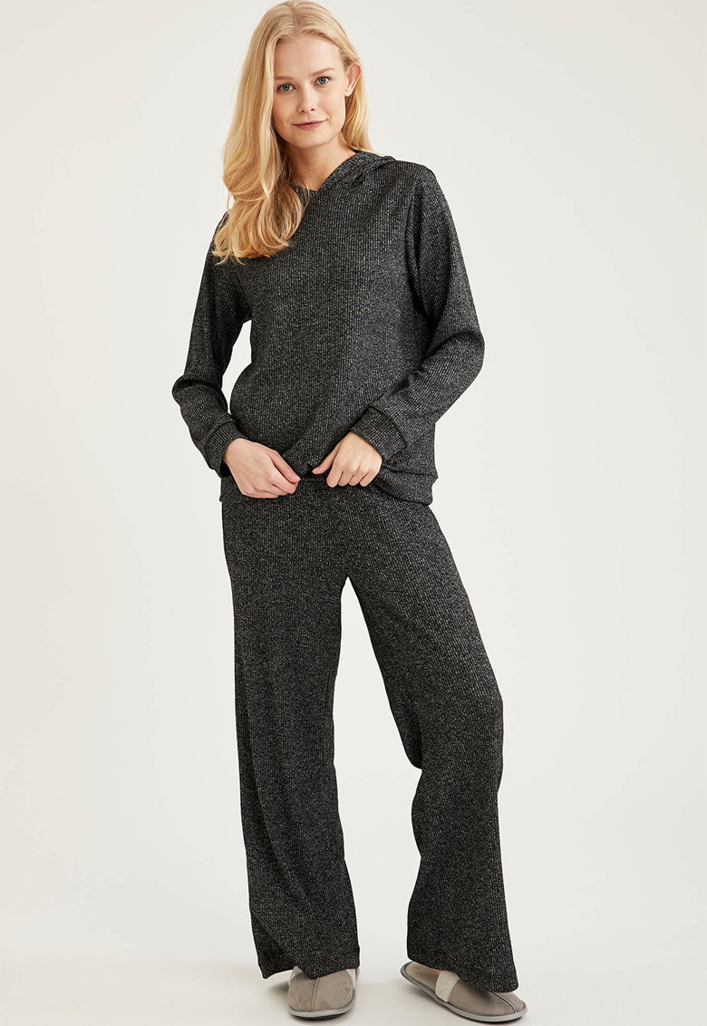 Pijama lejera cu gluga
