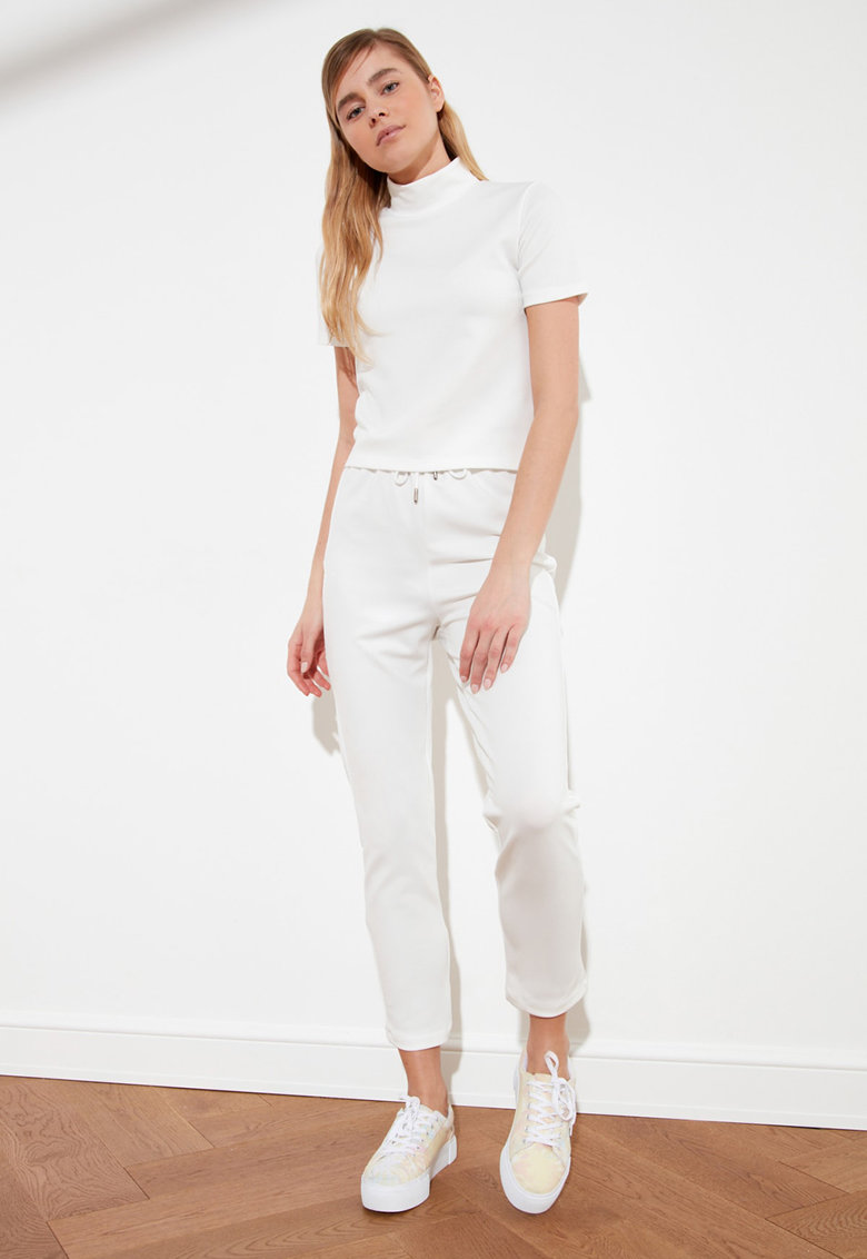 Set de tricou si pantaloni crop - 2 piese