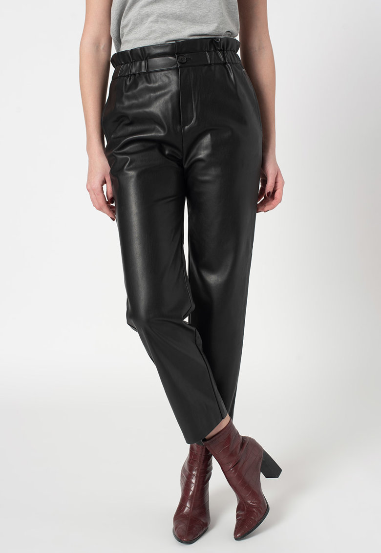 Pantaloni de piele ecologica cu buzunare laterale Nika