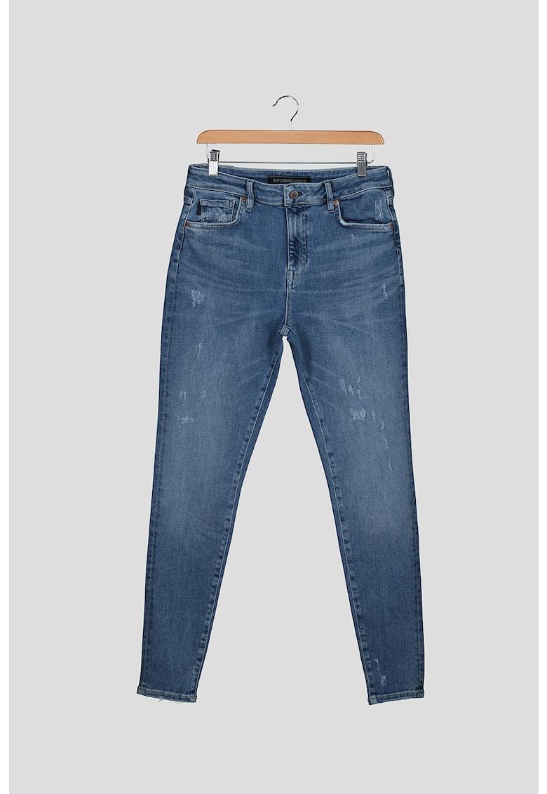 Blugi skinny cu talie inalta si detalii cu aspect deteriorat imagine fashiondays.ro SUPERDRY