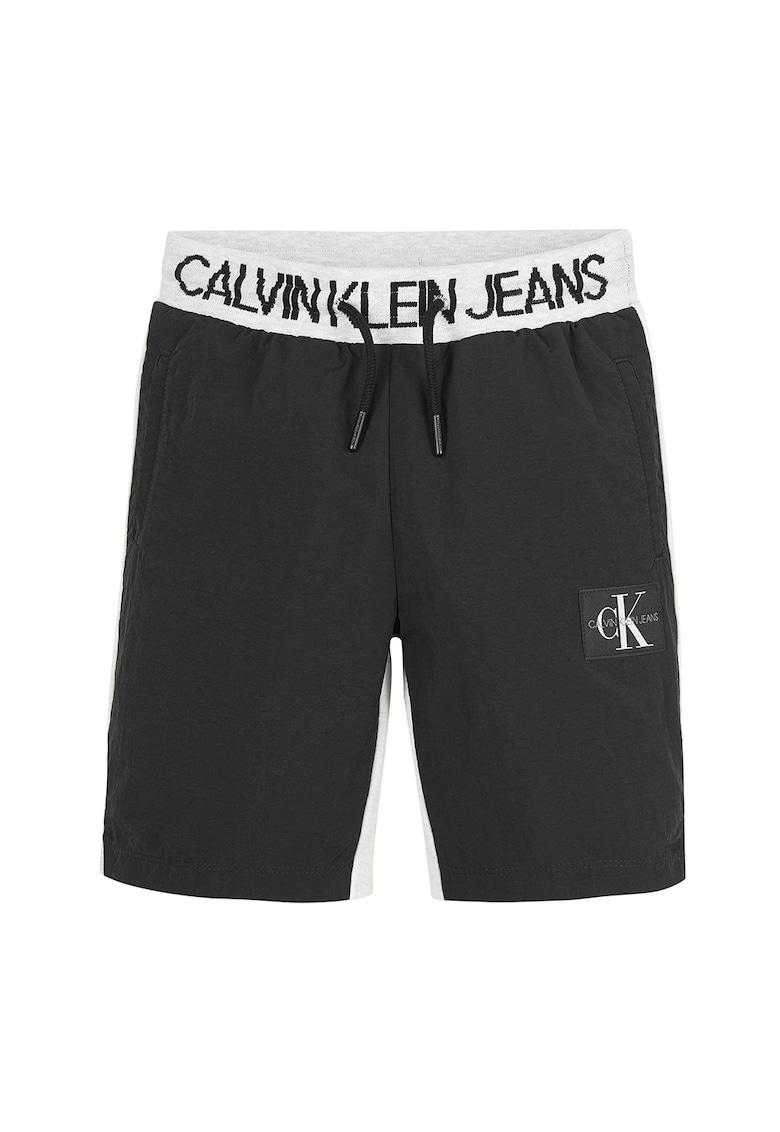 Pantaloni scurti din jerseu cu banda cu logo in talie