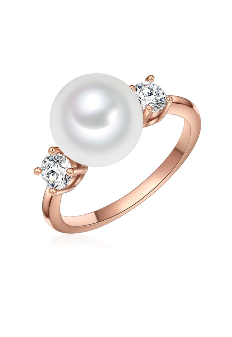 Inel placat cu aur rose si decorat cu perle shell si zirconia imagine fashiondays.ro