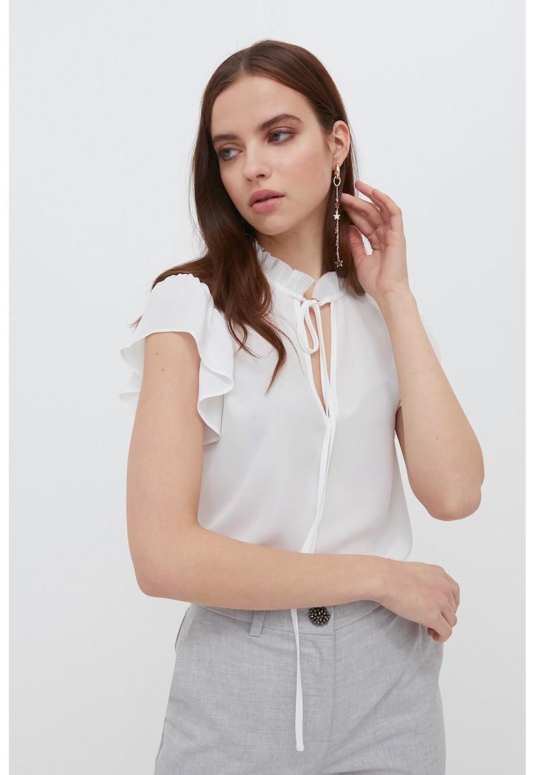 Bluza cu maneci scurte si guler cu volane imagine fashiondays.ro Motivi