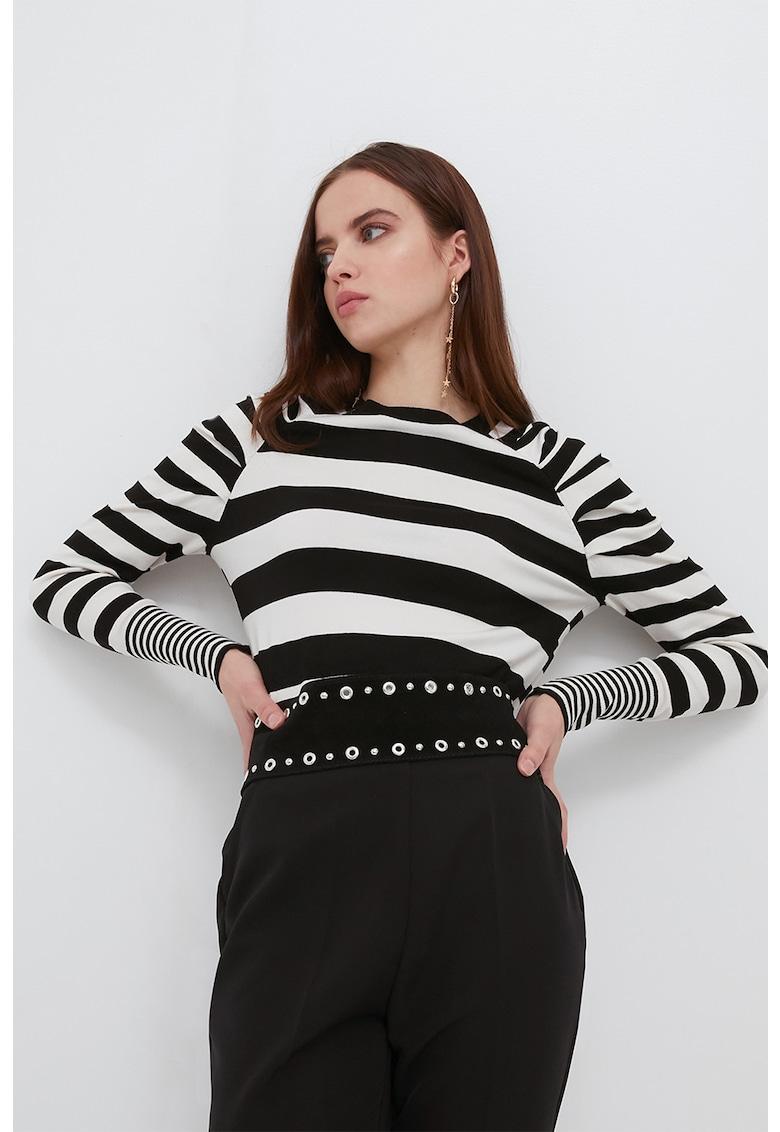 Bluza cu model in dungi imagine fashiondays.ro Motivi
