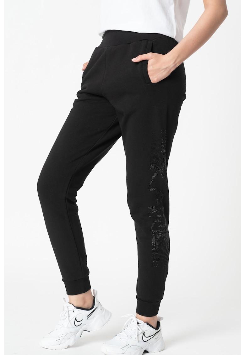 Pantaloni sport de casa cu aplicatii de strasuri