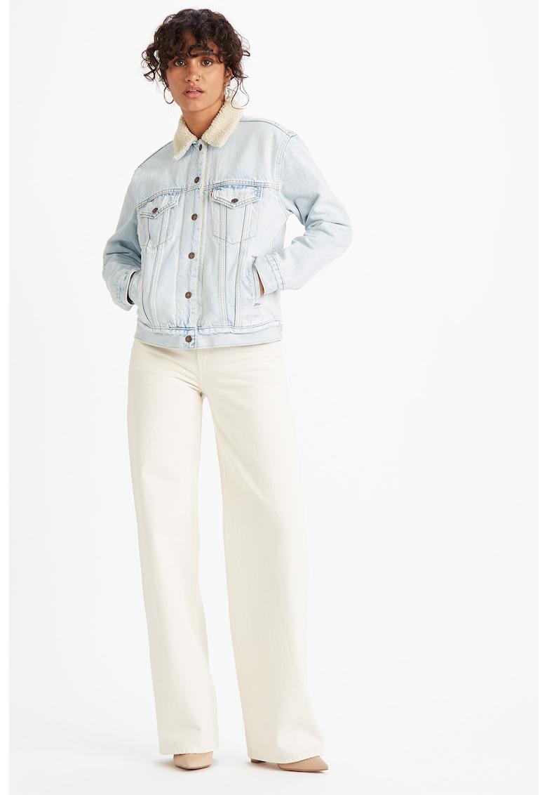 Jacheta de denim cu blana sintetica sherpa si buzunare pe piept
