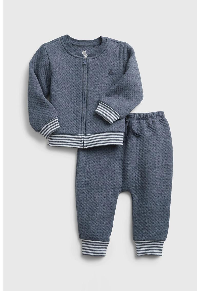 Set de bluze cu fermoar si pantaloni sport imagine fashiondays.ro GAP