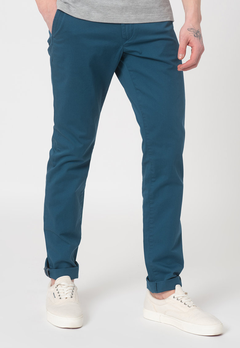 Pantaloni chino slim fit din amestec de bumbac organic imagine fashiondays.ro 2021
