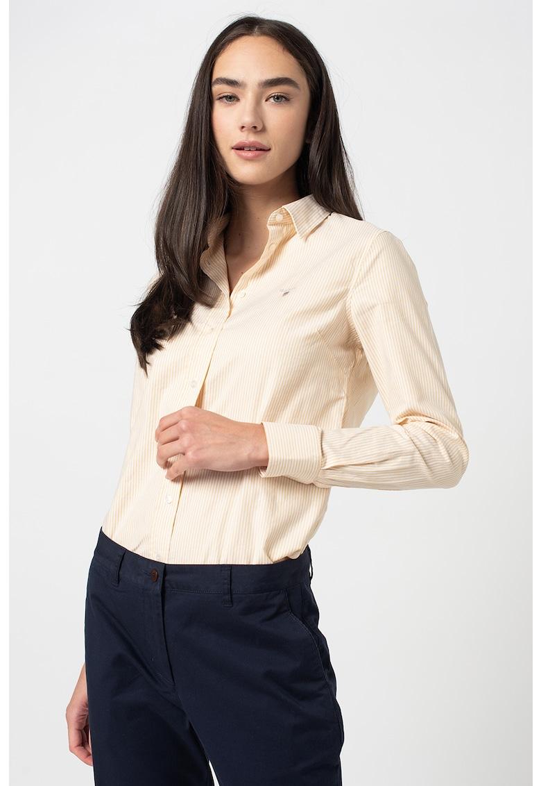Camasa Oxford slim fit in dungi Banker imagine fashiondays.ro 2021