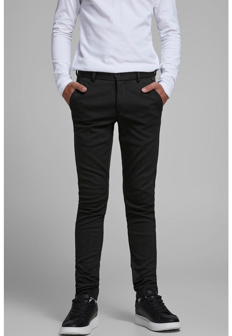 Pantaloni chino slim fit cu buzunare cu nasturi si refilet