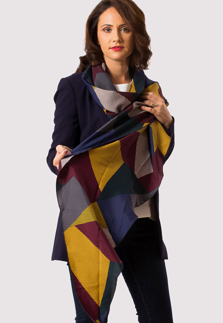 Esarfa cu model colorblock si imprimeu geometric All Day Long imagine fashiondays.ro 2021