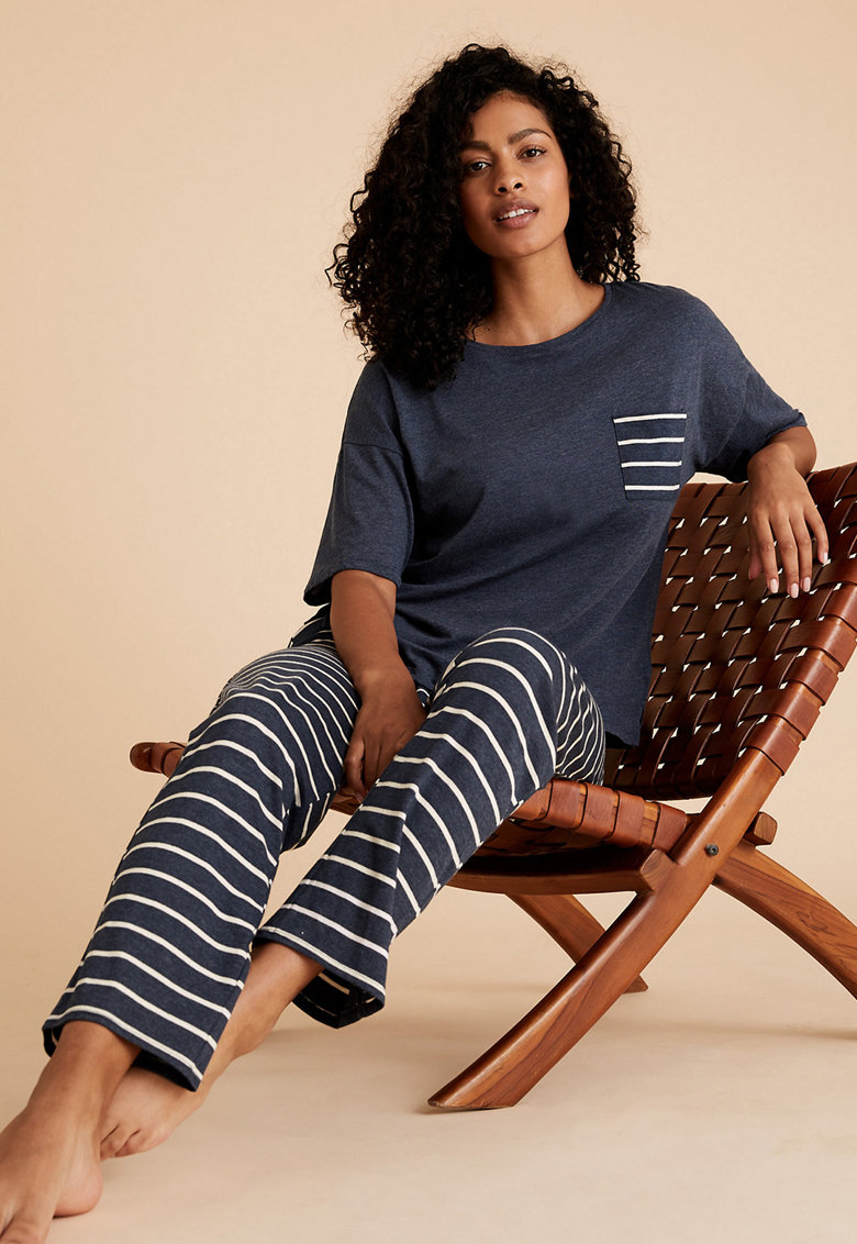 Pijama cu model in dungi