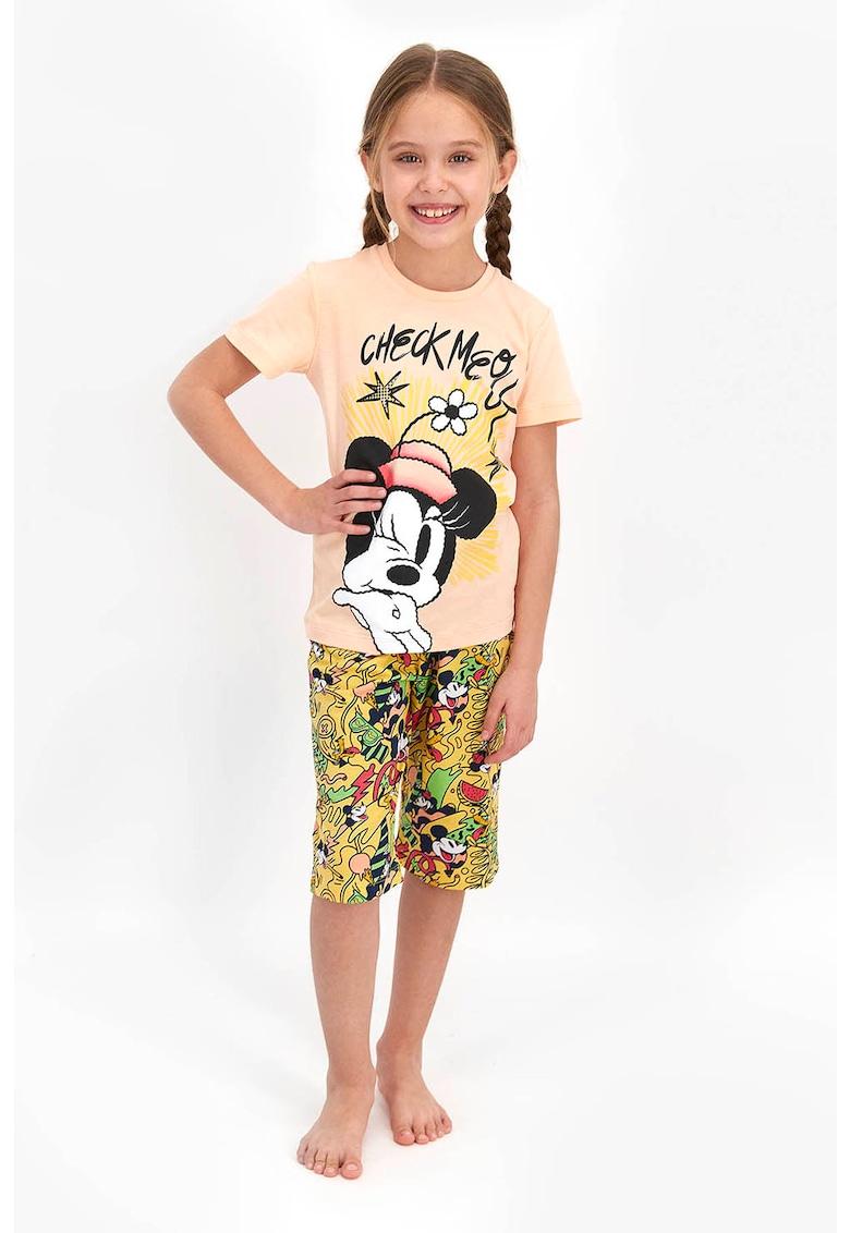Pijama cu imprimeu si decolteu la baza gatului imagine fashiondays.ro 2021