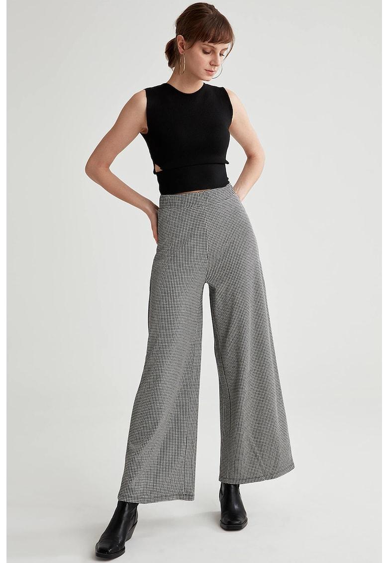 Pantaloni houndstooth cu croiala ampla imagine fashiondays.ro