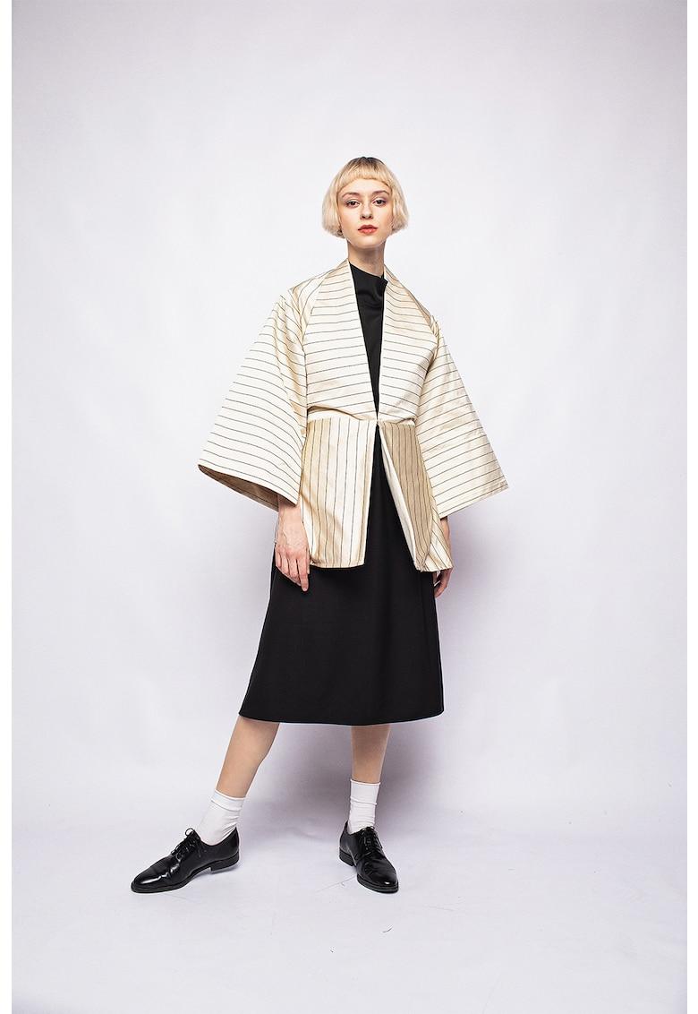 Kimono cu cordon si model in dungi imagine fashiondays.ro Bianca Popp