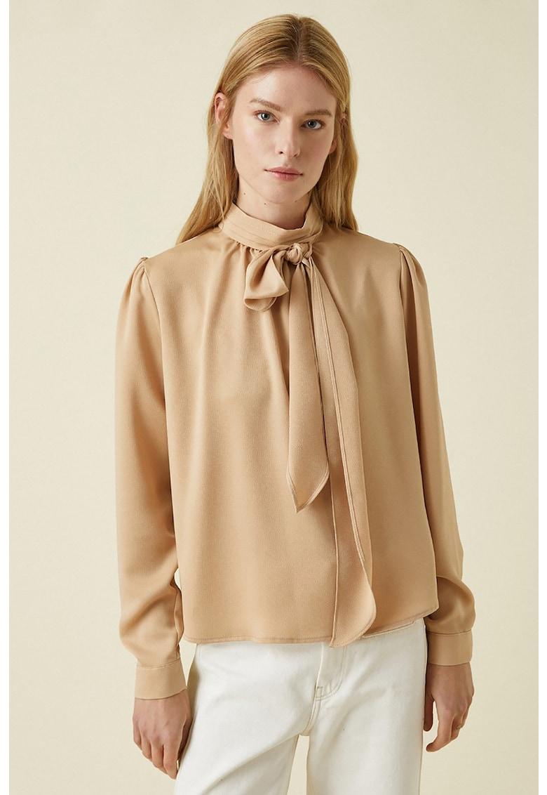 Bluza vaporoasa cu funda din panglici imagine fashiondays.ro 2021