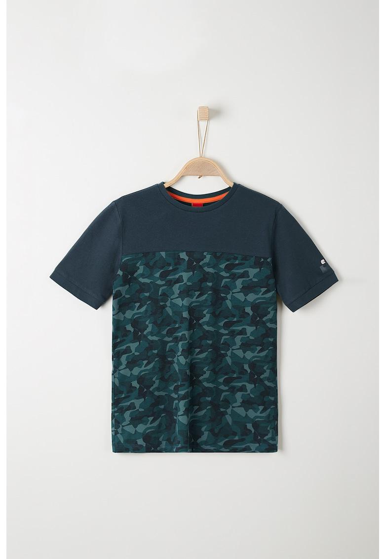 Tricou colorblock cu imprimeu camuflaj imagine