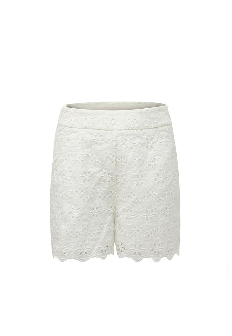 Pantaloni scurti de dantela cu margini valurite San Gallo imagine fashiondays.ro AMYLYNN