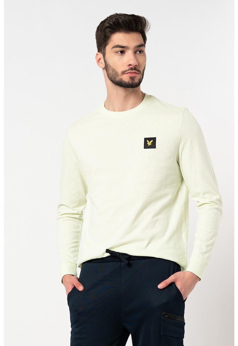 Bluza cu decolteu la baza gatului si aplicatie logo discreta imagine fashiondays.ro 2021