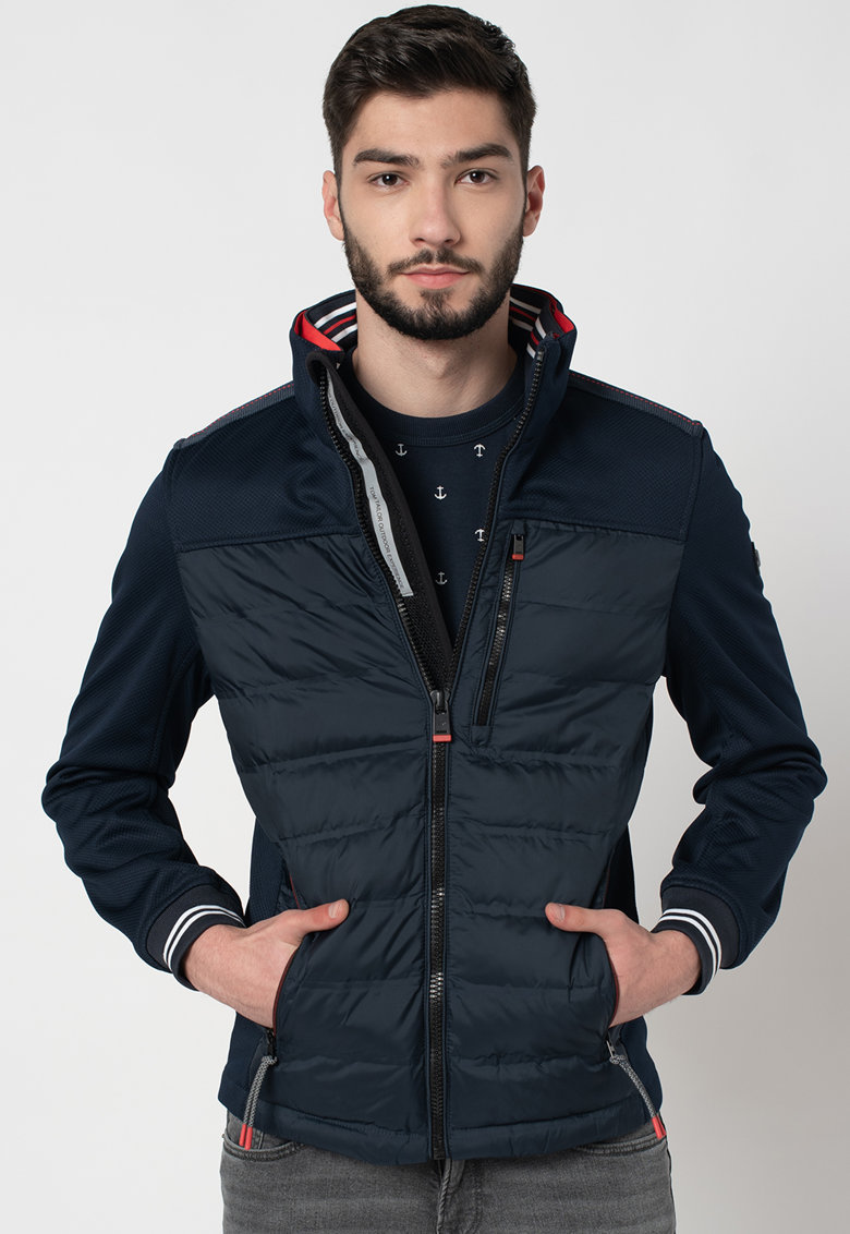 Jacheta cu segmente matlasate de la Tom Tailor