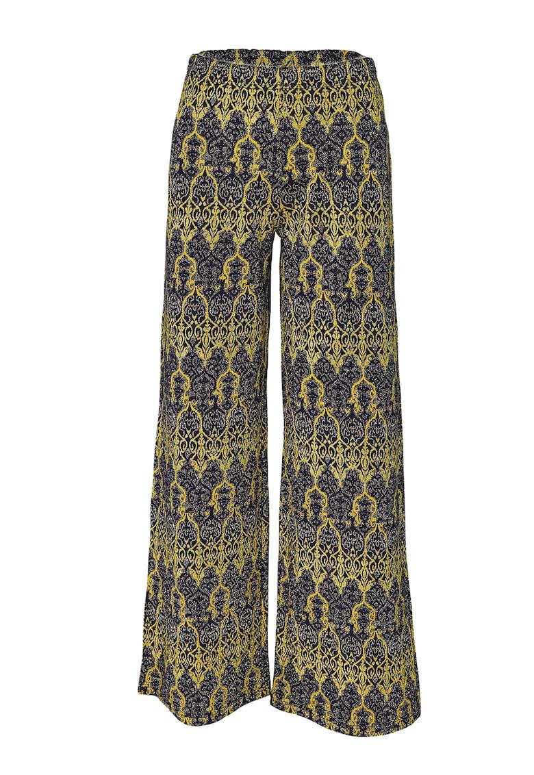 Pantaloni cu croiala ampla si model oriental imagine