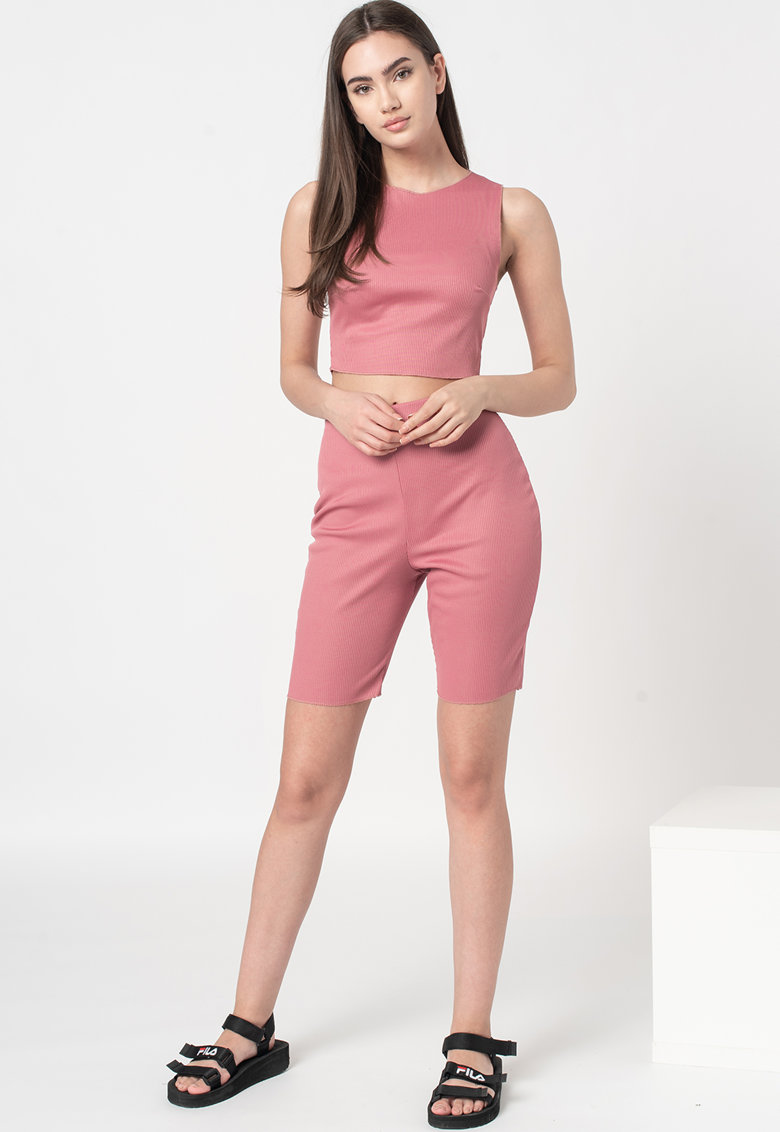 Set de top crop si pantaloni scurti imagine fashiondays.ro 2021