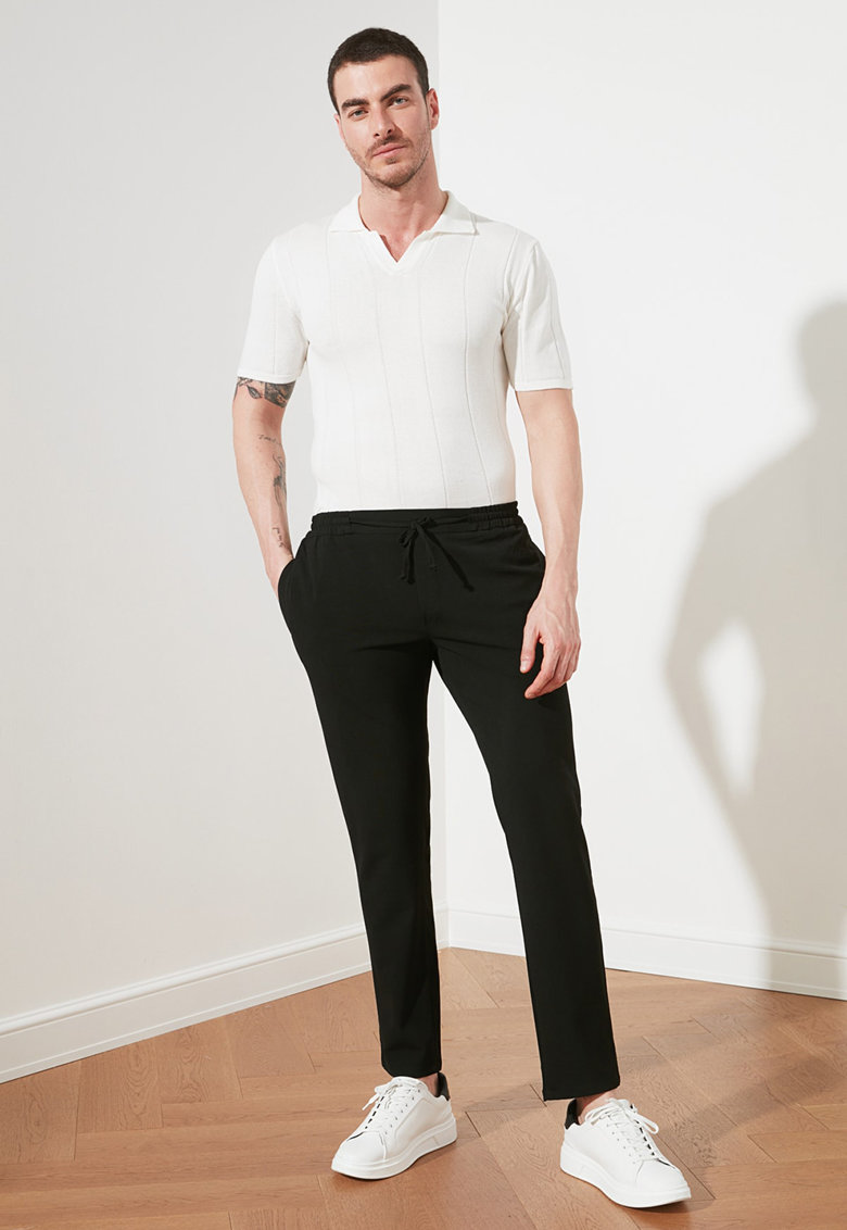 Pantaloni sport slim fit cu snur in talie