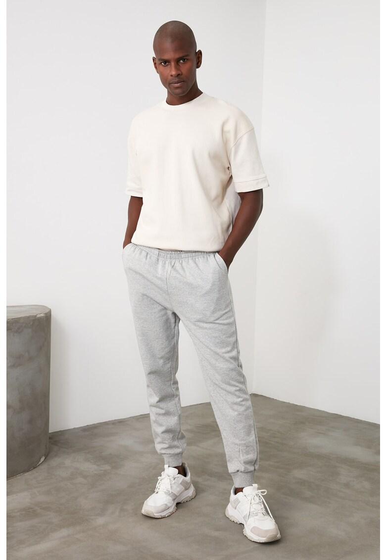Pantaloni sport cu banda elastica in talie