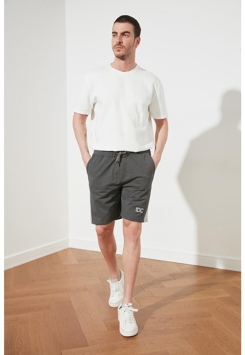 Pantaloni sport regular fit cu benzi laterale contrastante